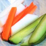 手づかみ食べ スティック野菜はいつから?