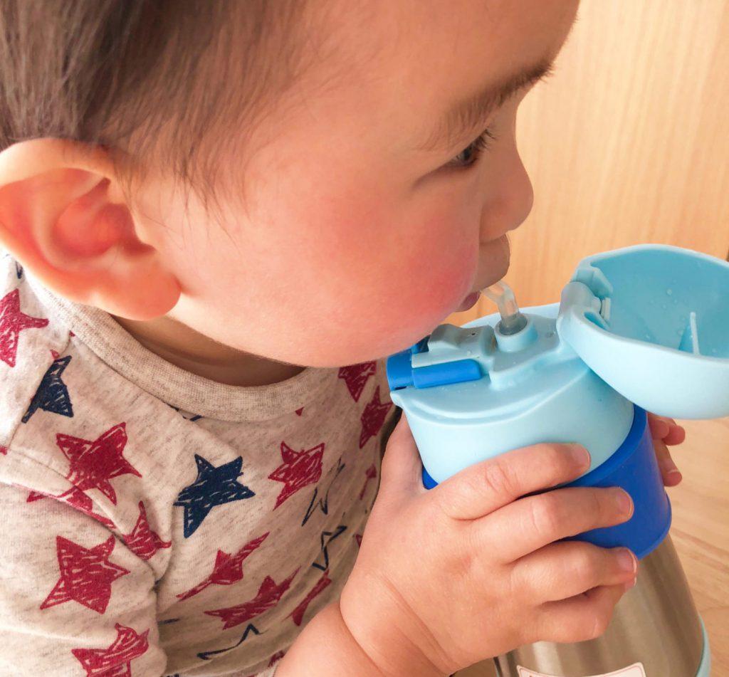 ストロー飲み 水分補給 赤ちゃん