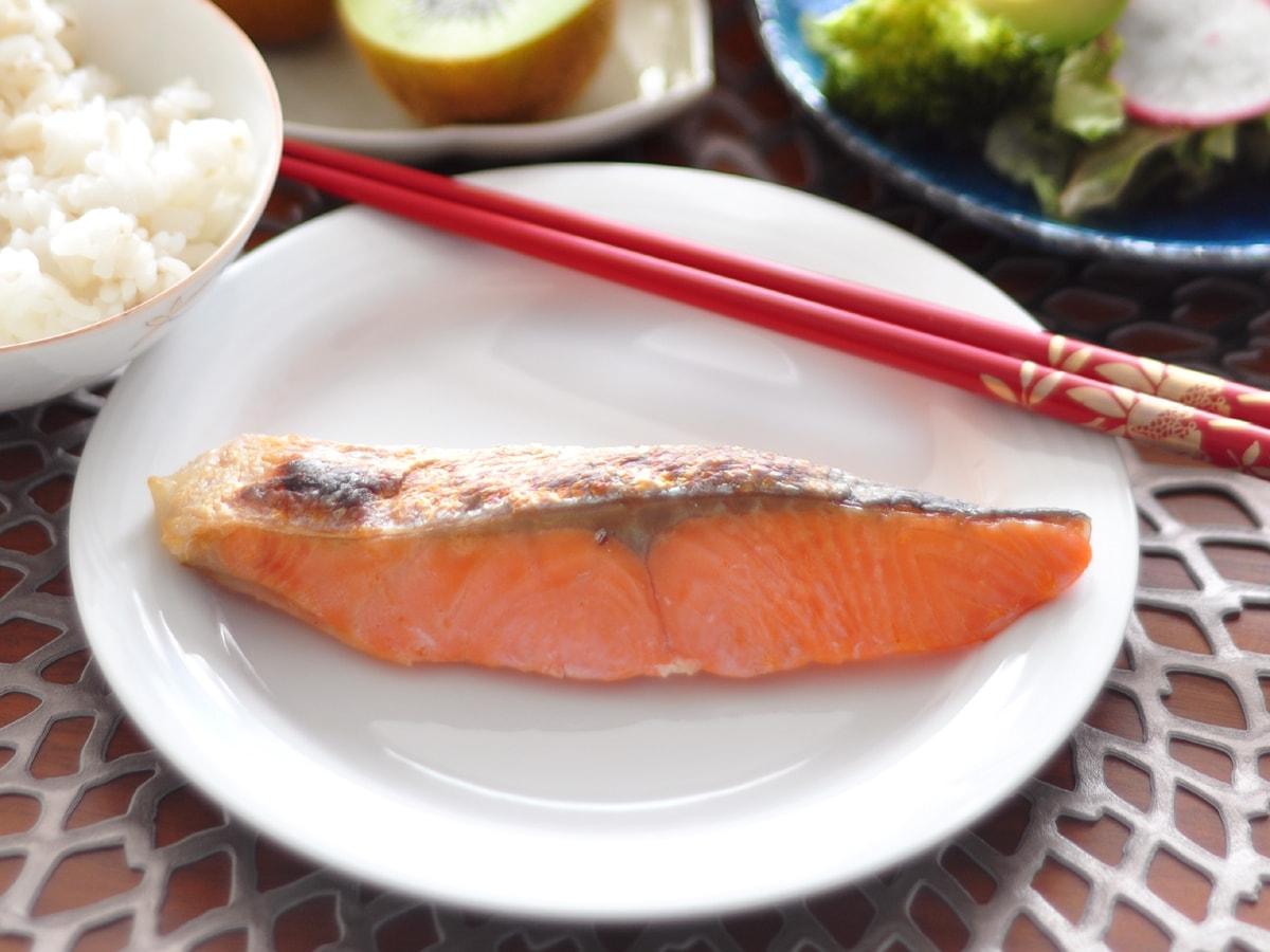 鮭の皮 焼き鮭 栄養